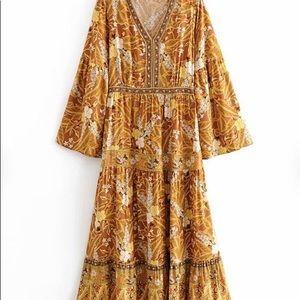 LAST ONE**NWT**Floral Bohemian Maxi Dress